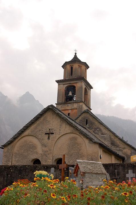 Cerentinokirche22.jpg