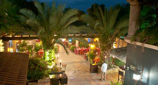 Don_Sánchez_Restaurant_entrance.JPG