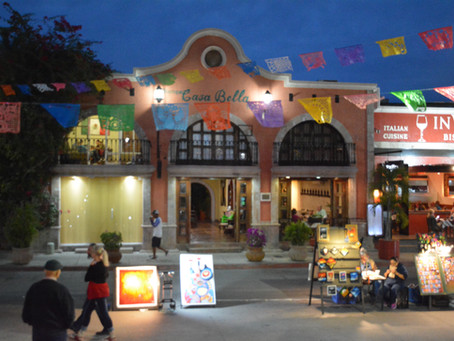 Art and gastronomy at Viva la Plaza Celebration  Km 0 Cabo San Lucas