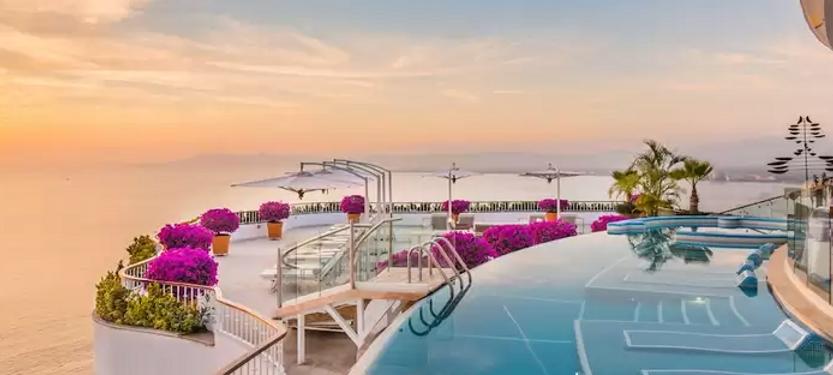 Escape en pareja a un hotel de Lujo en Vallarta