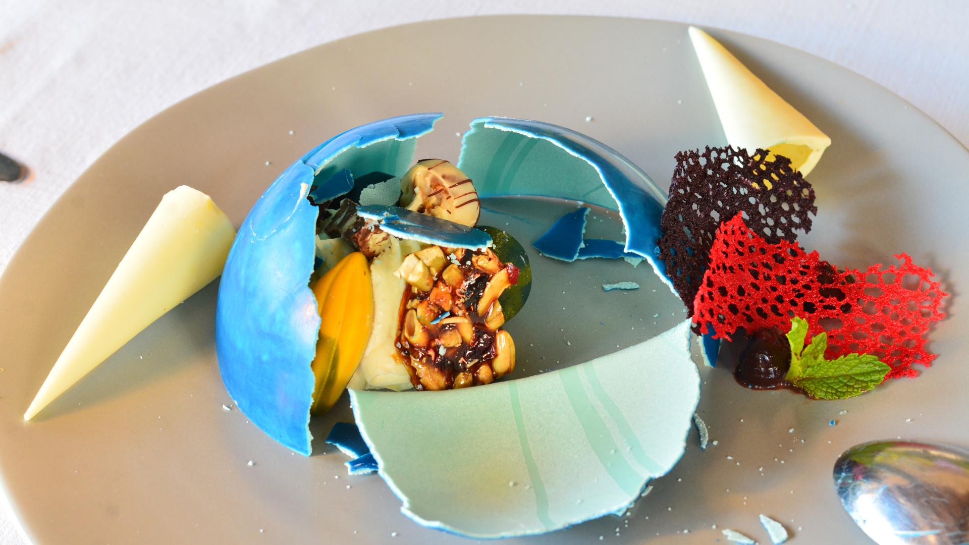 Don_Sanchez_dessert_chocolate_piñata2.J