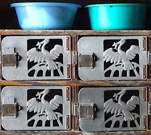 ある廃銭湯下足箱.JPG