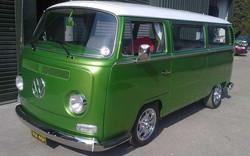 volkswagen-1969-Bay-window-camper-van-restored-front.jpg