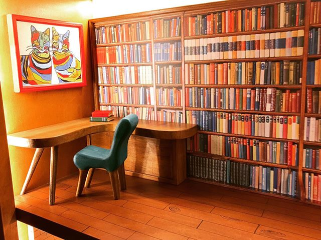 A tiny mid-century #library all made of