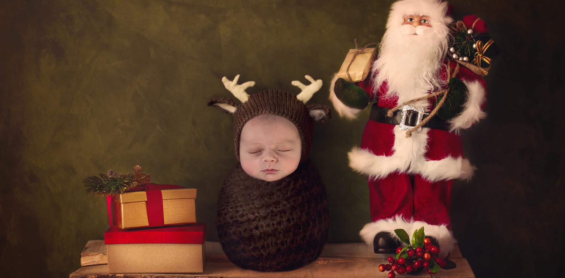 Santa on Shelf.jpg