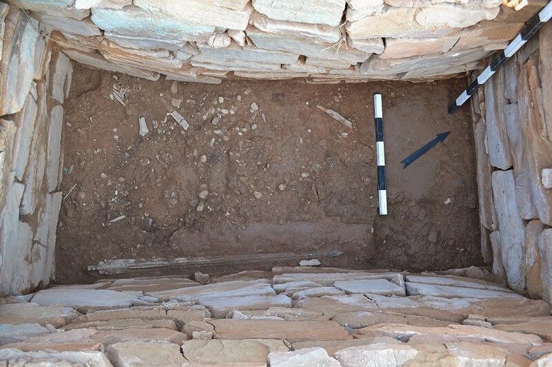 Το εσωτερικό του Τάφου του Πολεμιστή