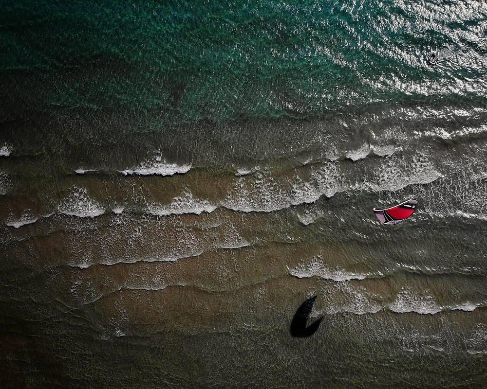 Εναέρια λήψη από Johnny Papas στη θάλασσα του Σχινιά