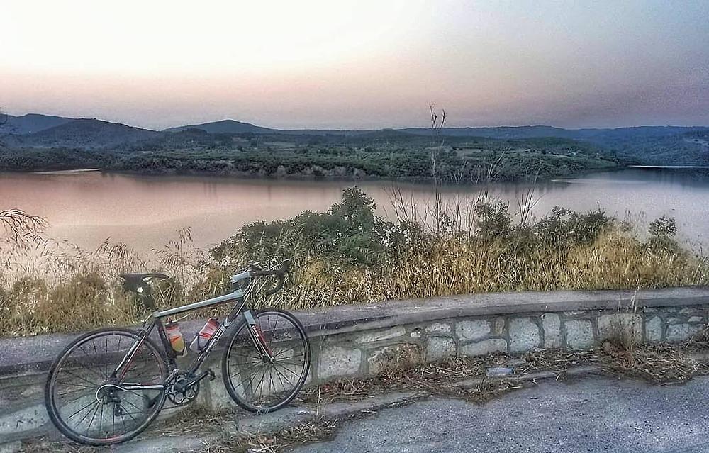 Για ποδήλατο στο Φράγμα Μαραθώνα | Φωτ.: @wheeltoseetheworld