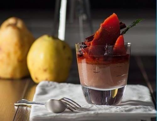 o σεφ Φώτης Χρυσανθίδης, ιδιοκτήτης του εστιατορίου Χειμώνα-Καλοκαίρι, αναλαμβάνει και δημιουργία μενού γάμου