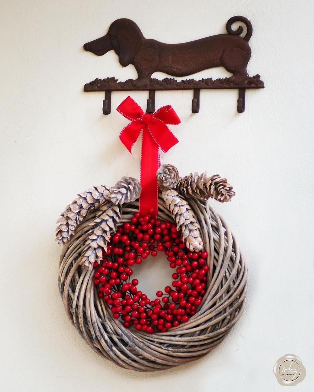 Μία ωραία εναλλακτική πρόταση για χριστουγεννιάτικο στεφάνι  από την διακοσμήτρια Ioanna Galanos Interiors