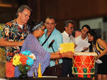 El Teatro Pablo Tobón Uribe se engalana con la palabra
