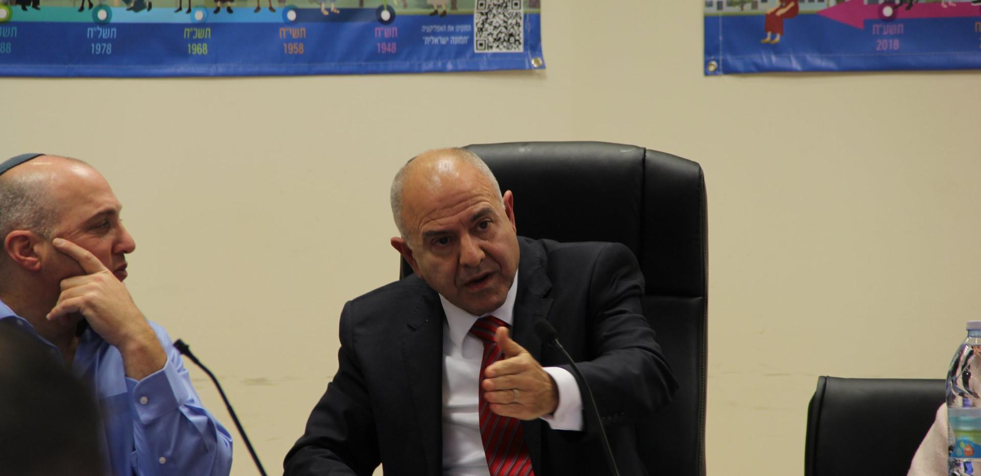 Dvir Kahana, Director General of the Ministry of Diaspora Affairs (right), and Shmuel Abuav, Director General of the Ministry of Education (left).