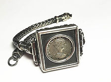 The entire Hand Made Bracelett with the Roman Republic Coin