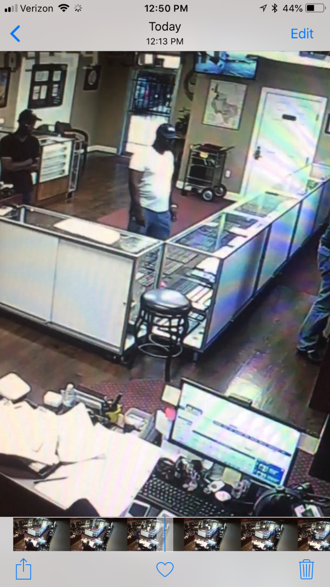 """Alert""-Alert""Update Coin Shop Robbery-Suspect Photos-Texas"""