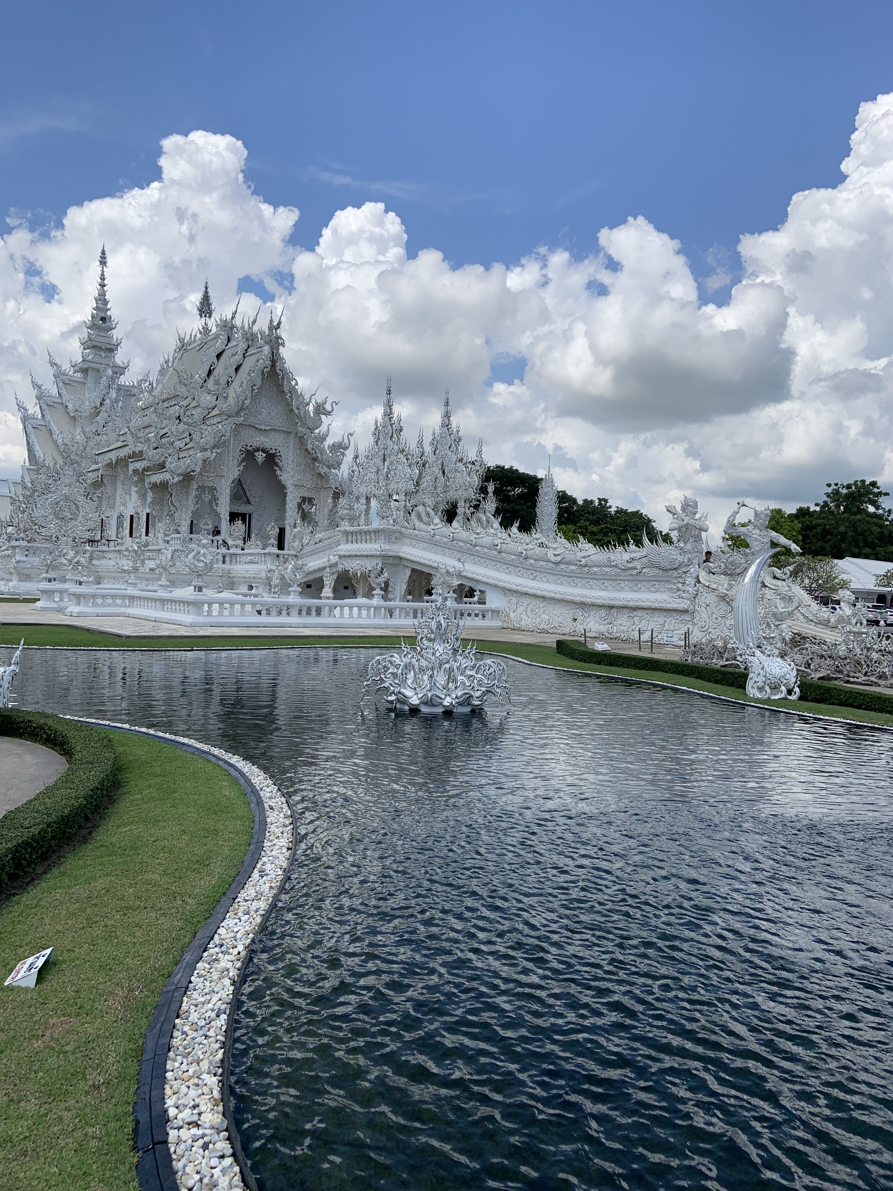 White Temple, Chaing Rai