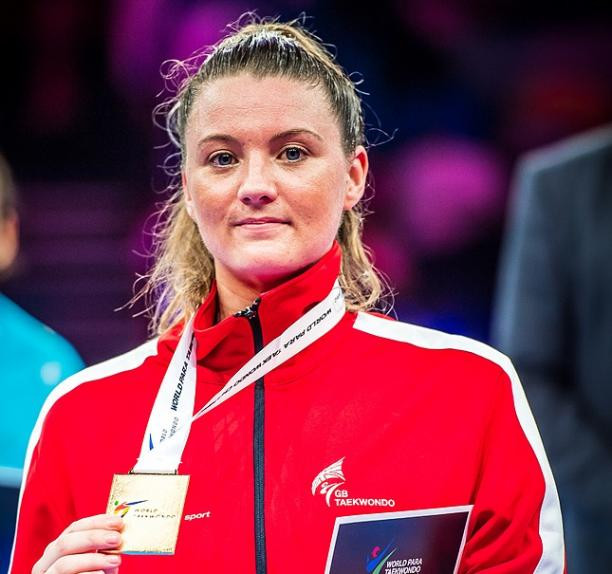 World Champion Amy Truesdale posing with her medal. Stay tuned. Parasports World provides parasports news, paralympic sports entertainment and disability sports community. Find great sports and inspiring athletes from the Paralympic Games, the Invictus Games and parasport championships.