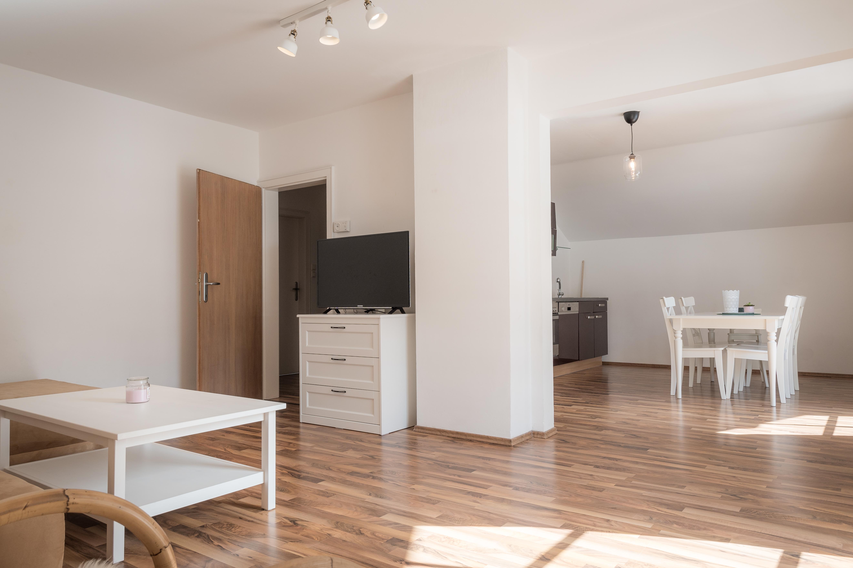 Wohnung_2_Wohnzimmer-Esszimmer-Küche