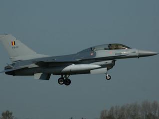 OPINIE: Tijd om te landen in F-16-dossier
