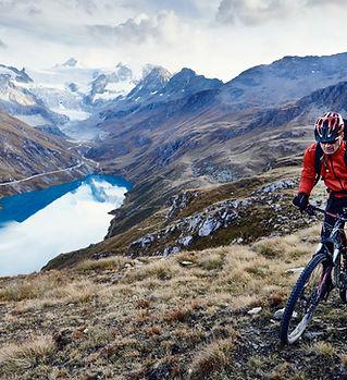 Mountainbike vid sjön