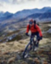 Vélo de montagne par le lac pas porte du soleil à morzine