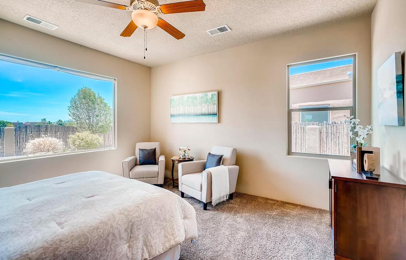 Canto Del Pajaro | Sunny Bedroom in Newer Santa Fe Home