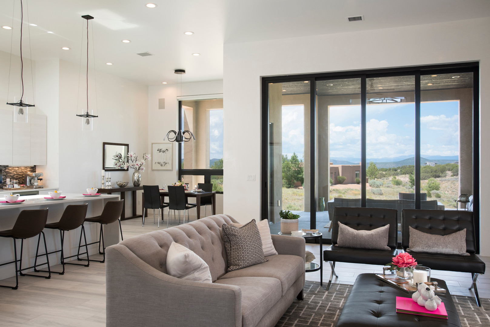 Abierto | Contemporary Open Concept Living in Santa Fe