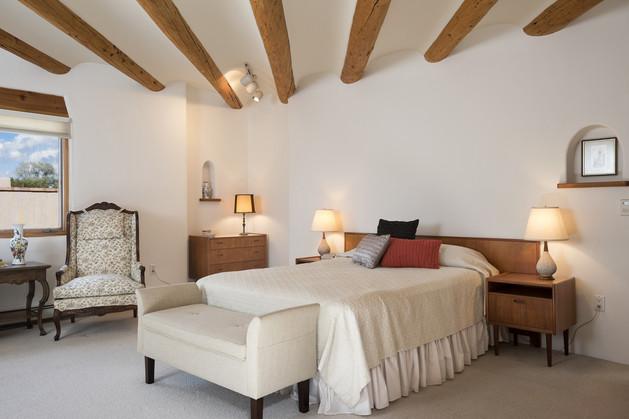 Monte Alto   Master Bedroom Vigas