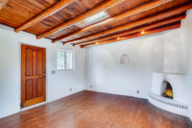 East Alameda   Vacant Living Room in Historic Santa Fe Home