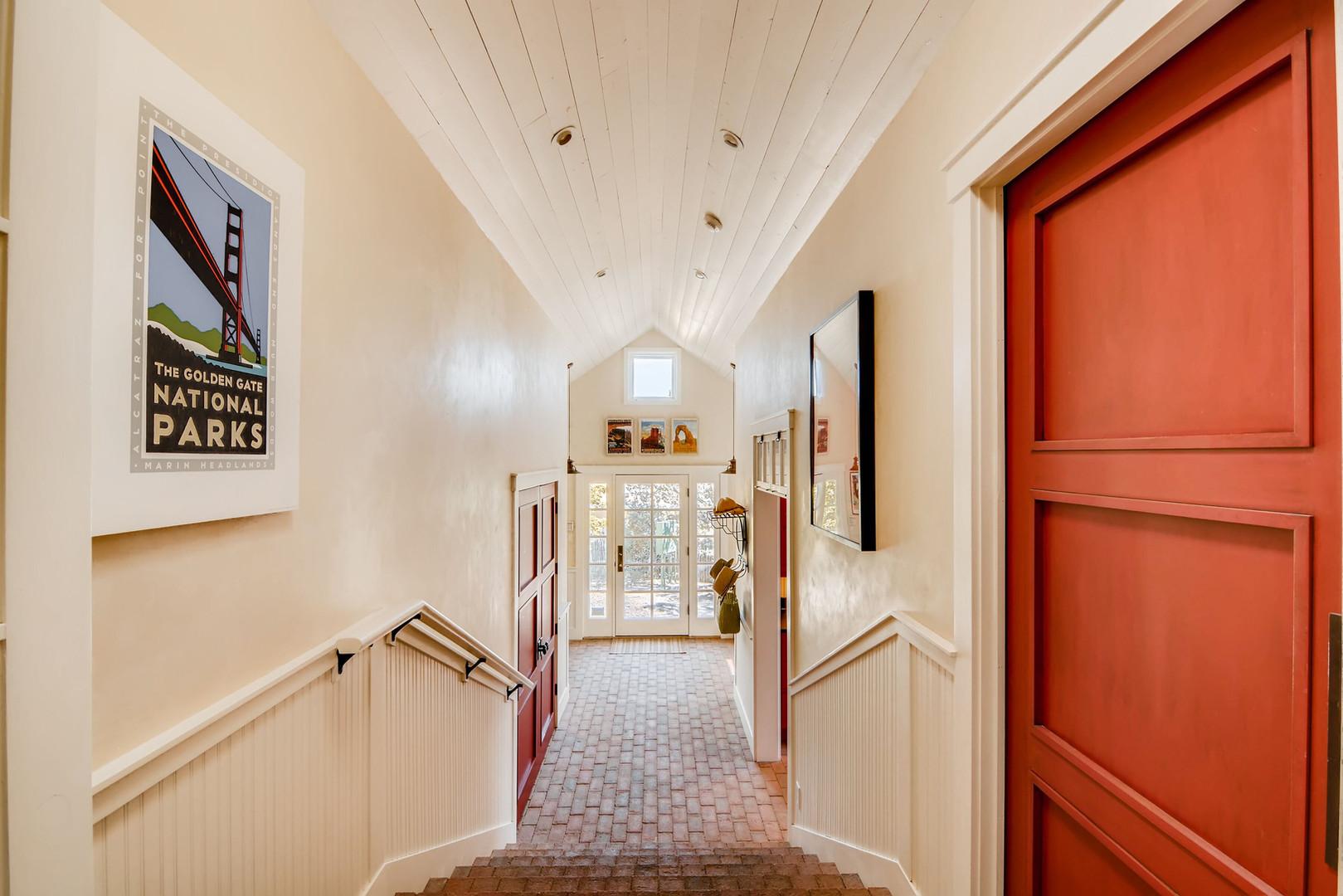 Double Arrow   Hallway