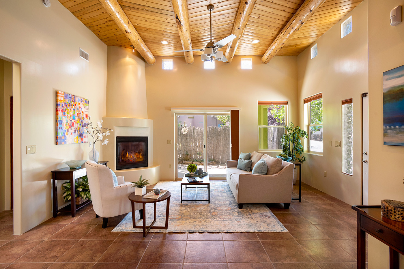 Calle Beatrice | Easy Access to Patio From Living Room