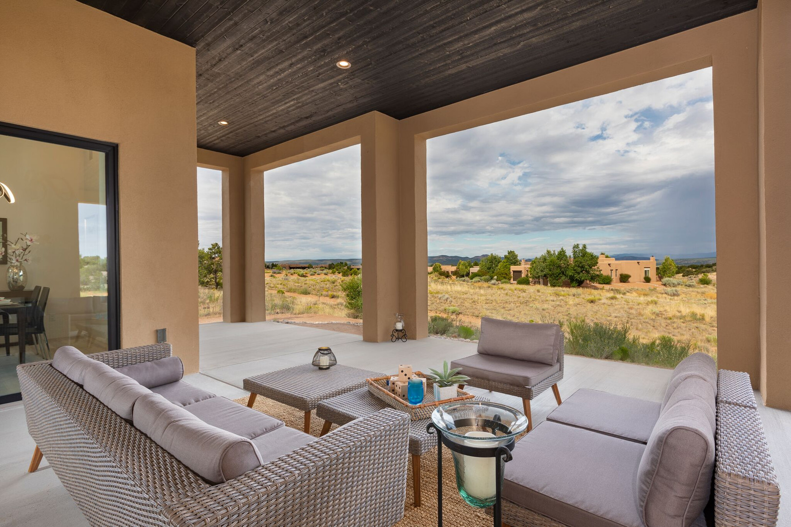 Abierto | Sweeping Patio Views of New Mexican Sky