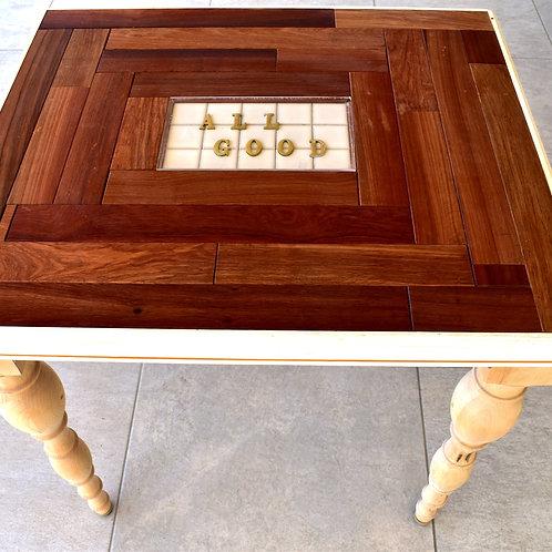 logo table