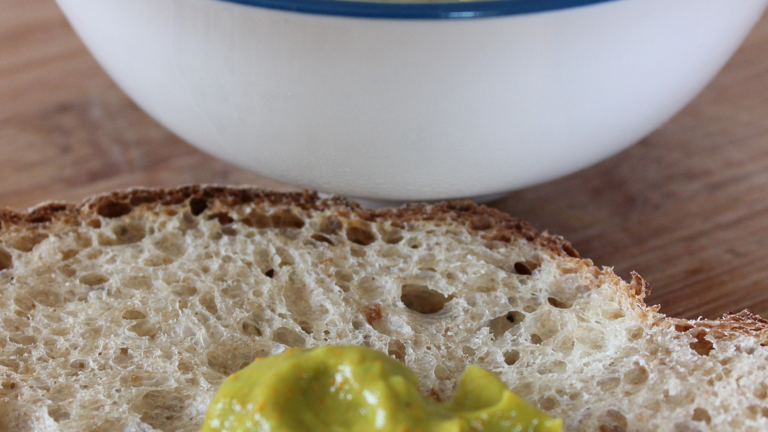 Zingy Turmeric & Avocado Spread