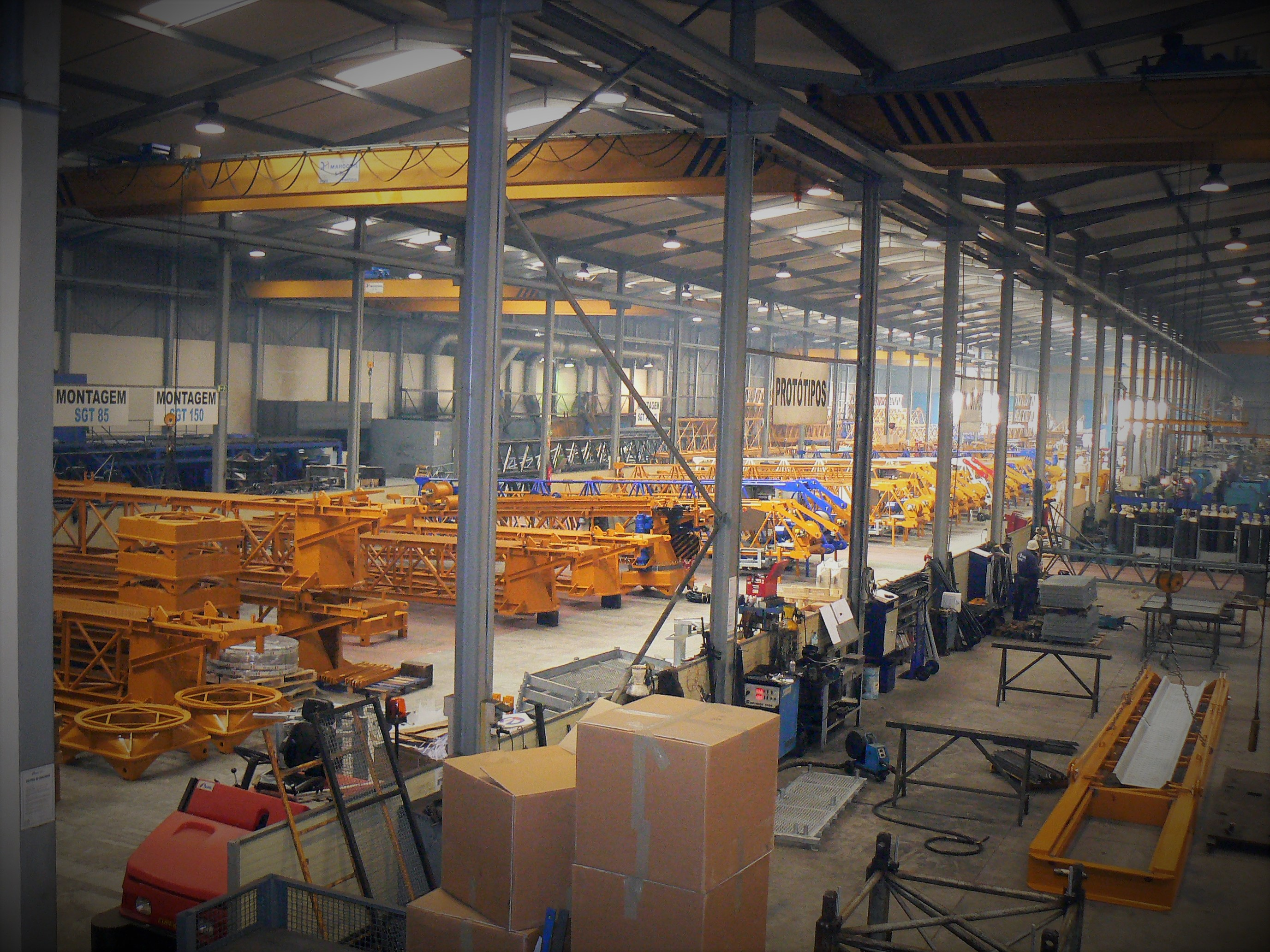 production of tower cranes - factory