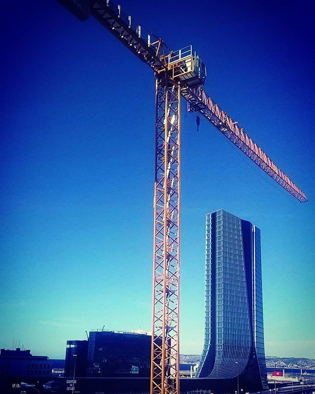 Tower crane in Paris