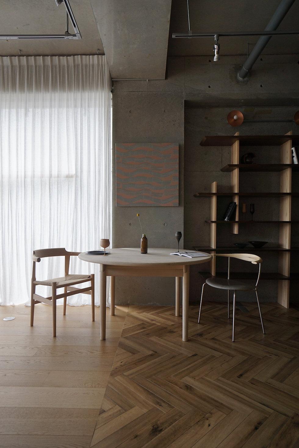 COKUの取扱家具の紹介、PPMoblerのテーブルと椅子をコーディネート