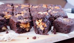 Banana, Peanut butter, honey, choc chip brownie