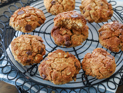 Peanut Butter Choc Chip Cookies - fast cook