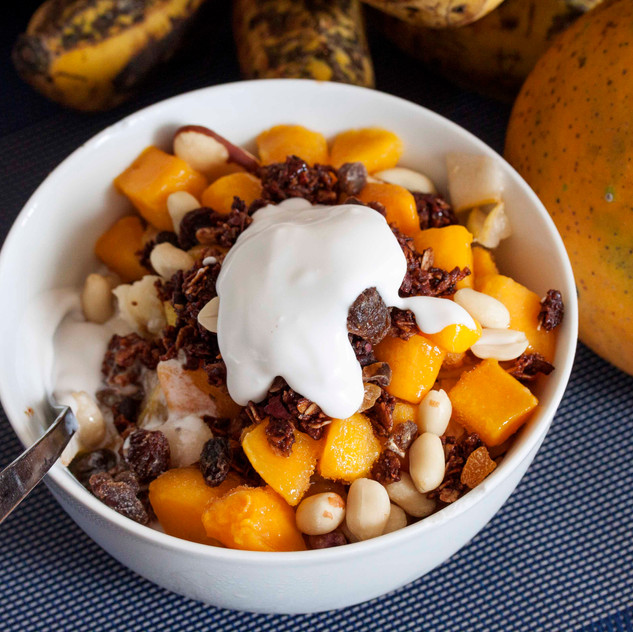 Bircher with Mango and Nuts