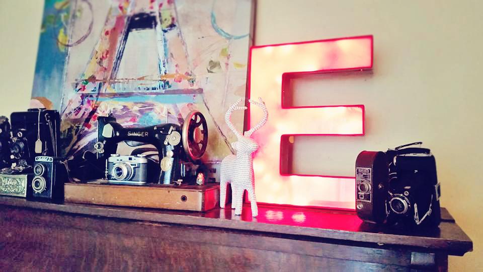 Lettres rouges illuminées