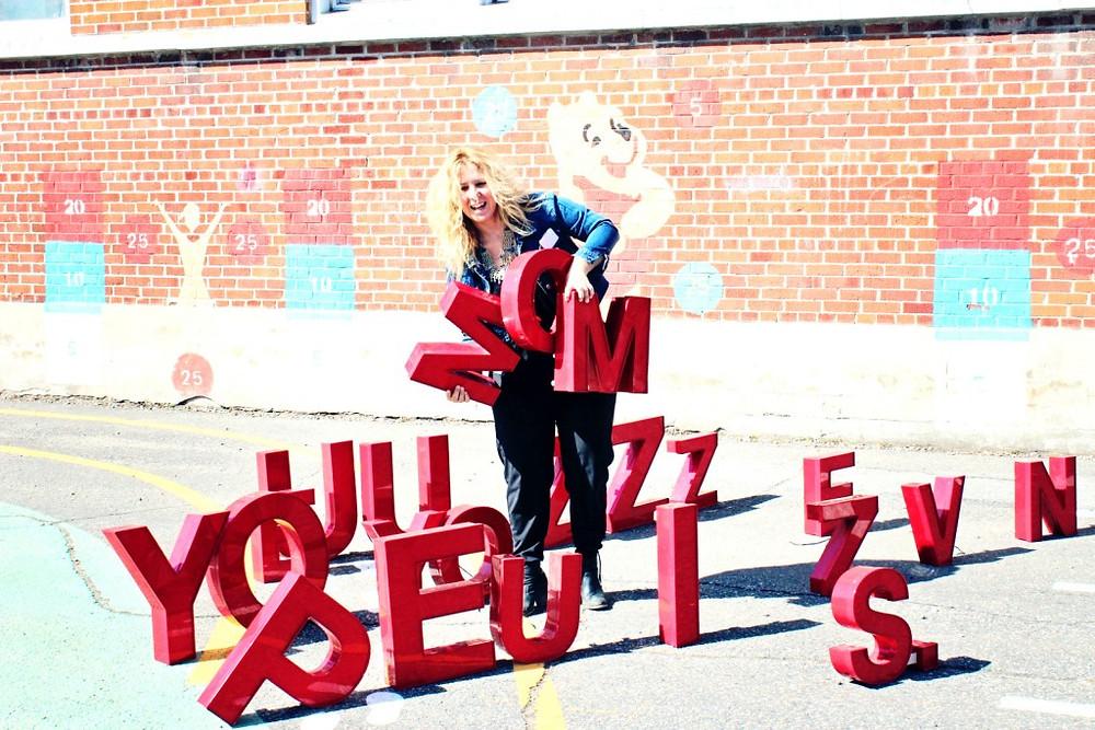 Lettres rouges Esprit Vintage