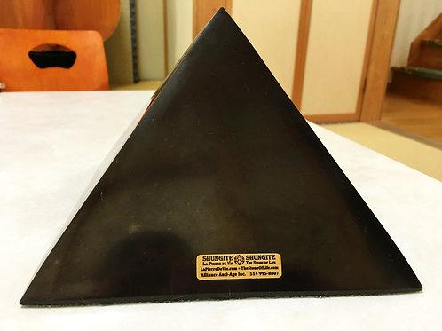 ピラミッド 18cm