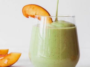 Creamy Peach Green Smoothie
