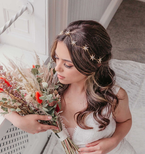 Bridal hair vine with stars for a celestial wedding - Crisanta