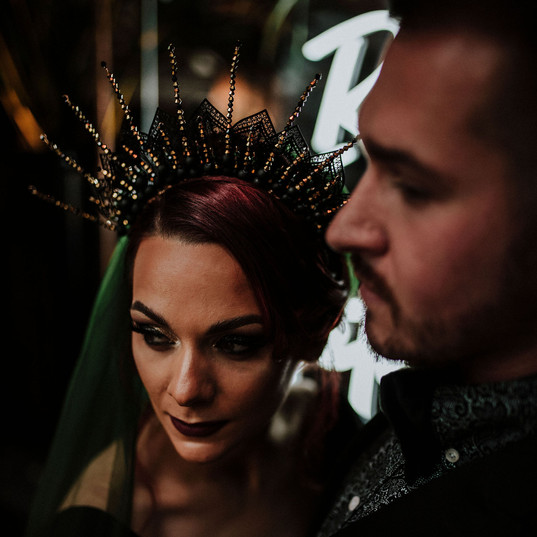 Black-wedding-headpiece-gothic-cake-flow