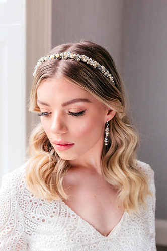 Simple and unique Pearl bridal headband - Elara