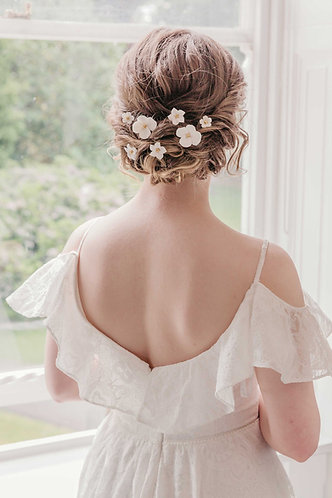 Bridal hair pins with flowers for a boho wedding - Elodie