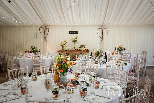 wedding-hilton-court-gardens-emma-jon-venue-dressing1