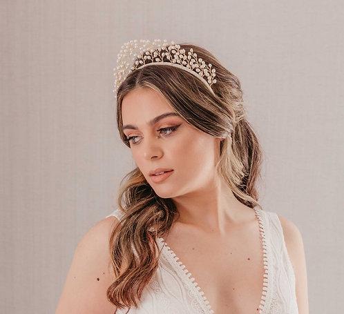 Pearl bridal headpiece for a boho bride - Alabaster dreams
