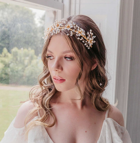 Gold wedding headband with flowers and freshwater pearls - Gardenia